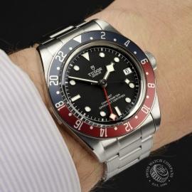 TU20225S-Tudor-Black-Bay-GMT-Pepsi-Bezel-Wrist 2