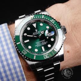 RO22172S Rolex Submariner Date Ceramic 'Hulk' Wrist