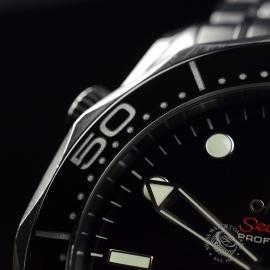 OM20623S_Omega_Seamaster_Professional_Co_Axial_300m_Close7.JPG