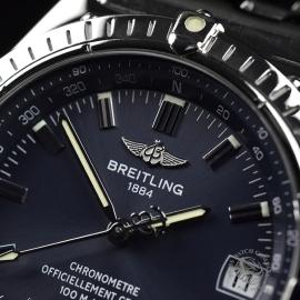 BR20852S_Breitling_Windrider_Close5_1.JPG