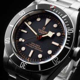 TU21649S Tudor Heritage Black Bay Close2 1