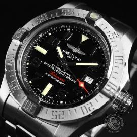 21240S Breitling Avenger Seawolf II  Close3