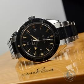 OM20743S_Omega_Seamaster_300_Master_Co_Axial_Close9.jpg