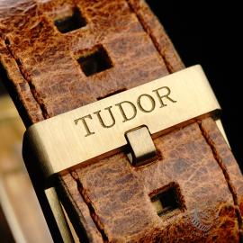 TU21992S Tudor Heritage Black Bay Bronze 'Bucherer Edition' Close8 1
