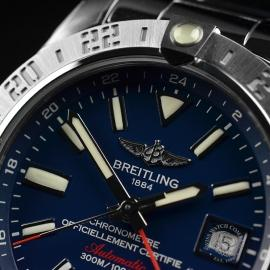 BR19147S_Breitling_Avenger_II_GMT_Close5.JPG