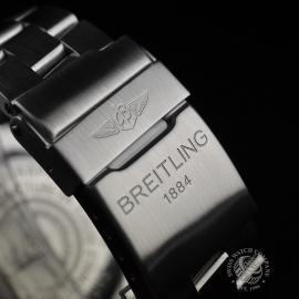 21520S Breitling Avenger Seawolf Chrono Close5
