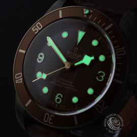 TU22007S Tudor Heritage Black Bay Bronze Close1