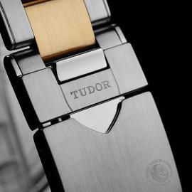 Tudor Heritage Black Bay Close8 1