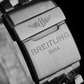BR22647S Breitling Chronomat Blackbird Close8