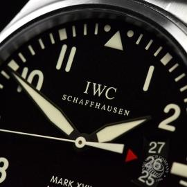IW20672S_IWC_Pilots_Watch_Mark_XVII_Close4.JPG
