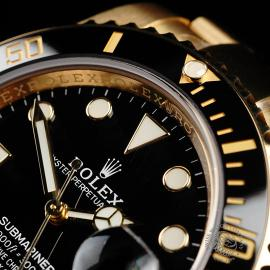 RO22317S Rolex Submariner Date 18ct Yellow Gold Close3