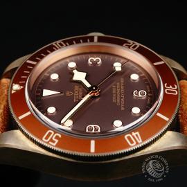 TU22225S Tudor Heritage Black Bay Bronze Close6 1