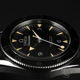 OM20944S_Omega_Seamaster_300_Master_Co_Axial_SPECTRE_Limited_Edition_Close7.JPG