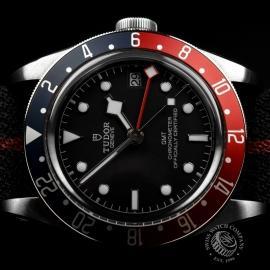 RO20436S Tudor Black Bay GMT Pepsi Bezel Close13