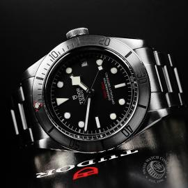 TU22175S Tudor Heritage Black Bay Steel Close2