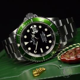 RO21193S Rolex Submariner Date Green Bezel Anniversary Close10