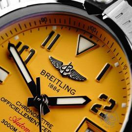 BR22011S Breitling Avenger II Seawolf Close3