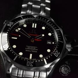 OM20431S_Omega_Seamaster_Professional_James_Bond_007_Collectors_Piece_Close17.JPG