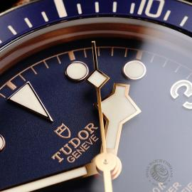 TU21992S Tudor Heritage Black Bay Bronze 'Bucherer Edition' Close5