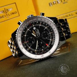 BR21888S Breitling Navitimer World Chrono GMT Close2 1
