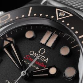 OM22513S Omega Seamaster 300M '007 Edition' Unworn Close3