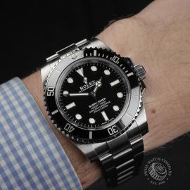 RO22386S Rolex Submariner Non-Date Wrist