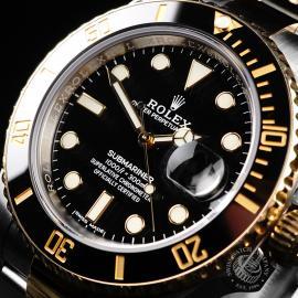 RO21921S Rolex Submariner Date Close2