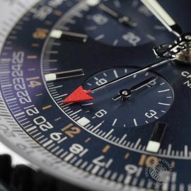 BR22662S Breitling Navitimer World Chrono GMT Close5