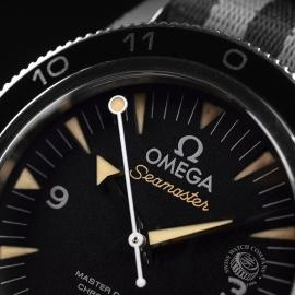 OM20944S_Omega_Seamaster_300_Master_Co_Axial_SPECTRE_Limited_Edition_Close4.JPG