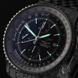 BR21888S Breitling Navitimer World Chrono GMT Close1