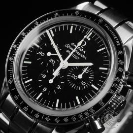 OM22353S Omega Speedmaster Professional Moonwatch '50th Anniversary' Close2