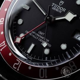TU21630S Tudor Black Bay GMT Pepsi Bezel Close4 1