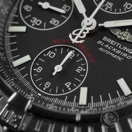 BR22471S Breitling Blackbird Chronograph Close5