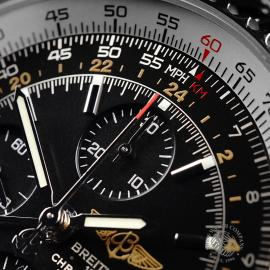 BR21888S Breitling Navitimer World Chrono GMT Close4