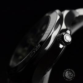 OM20623S_Omega_Seamaster_Professional_Co_Axial_300m_Close4.JPG