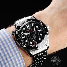 OM22106S Omega Seamaster Professional 300M Unworn Wrist