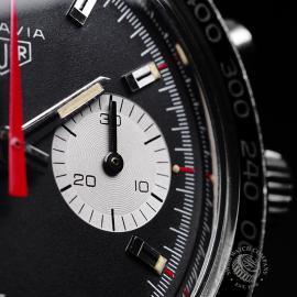 HU1895P Heuer Vintage Autavia Mark 2 Close5