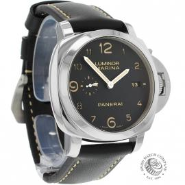 PA19752-Panerai-Luminor-Dial.jpg