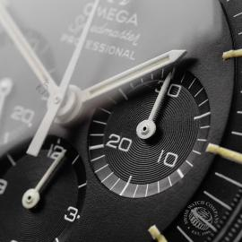 OM22108S Omega Vintage Speedmaster Moonwatch Close5