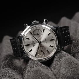 BR822F Breitling Vintage Top Time Cronograph Close10