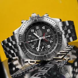BR22647S Breitling Chronomat Blackbird Close10