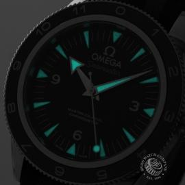 OM20944S_Omega_Seamaster_300_Master_Co_Axial_SPECTRE_Limited_Edition_Close1.jpg