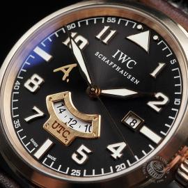 IW22448S IWC Pilot's Watch UTC Rose Gold Close2