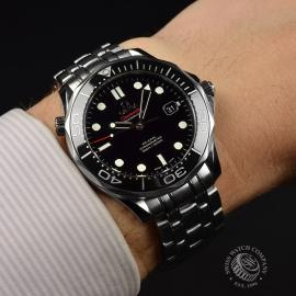 OM20964S_Omega_Seamaster_Professional_Co_Axial_300m_Wrist.JPG