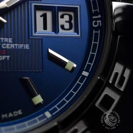 BR20731S_Breitling_Galactic_41_Close7.JPG