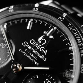 OM22263S Omega Speedmaster Co-Axial 38 Close3