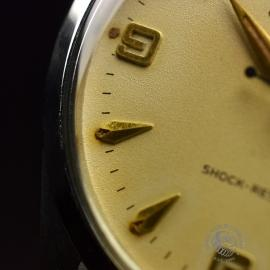 RO692F_Vintage_Rolex_Oyster_Royal__Close5.JPG