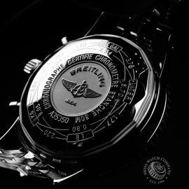 BR22068S Breitling Navitimer Heritage Close9