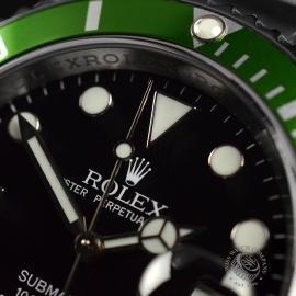 RO21193S Rolex Submariner Date Green Bezel Anniversary Close5