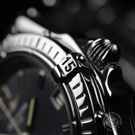 BR20852S_Breitling_Windrider_Close7.JPG